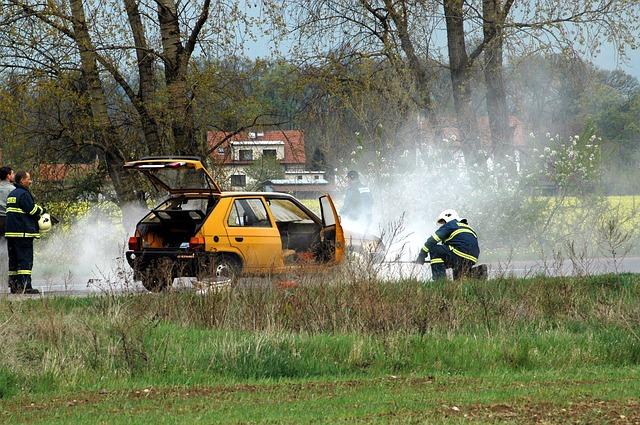 brand auto feuer verhalten